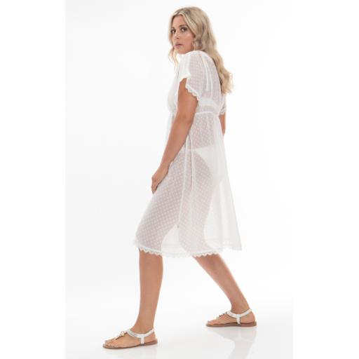 Pia Rossini Malibu White Dotty Cover uip.jpg